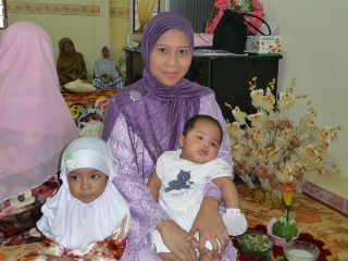 Irfan and his Mama with his littlest Auntie LiSha